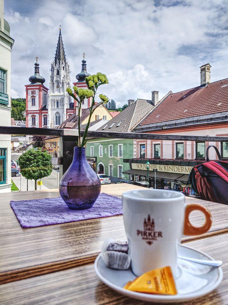 Ausblick vom Café Pirker auf die Basilika