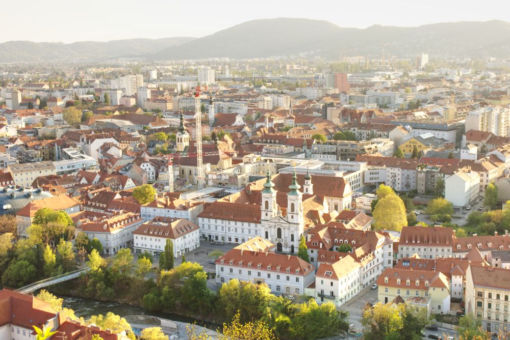 Vom Schlossberg hat man einen guten Blick auf die Mariahilferkirche