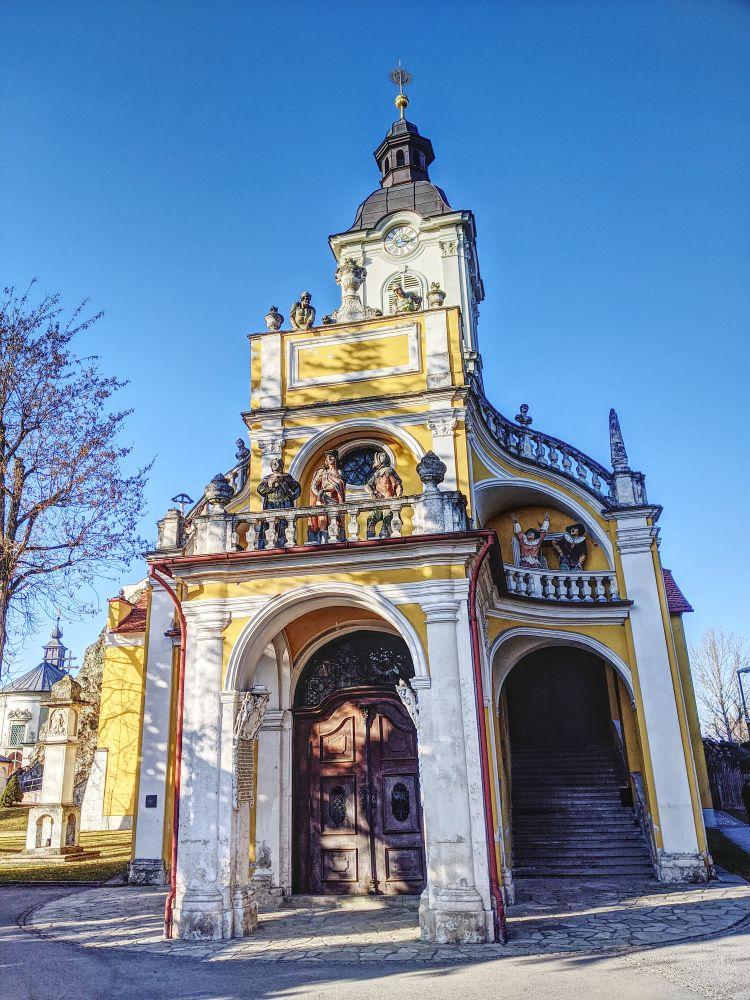 Die Kalvarienbergkirche ist schon hübsch anzuschauen