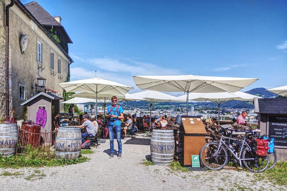 Die Stadtalm auf dem Mönchsberg verspricht Panoramamotive & gutes Essen