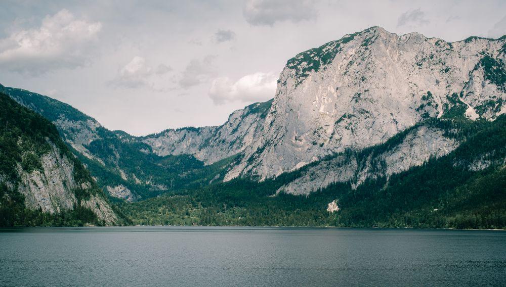 Ein atemberaubendes Bergpanorama am Altausseersee