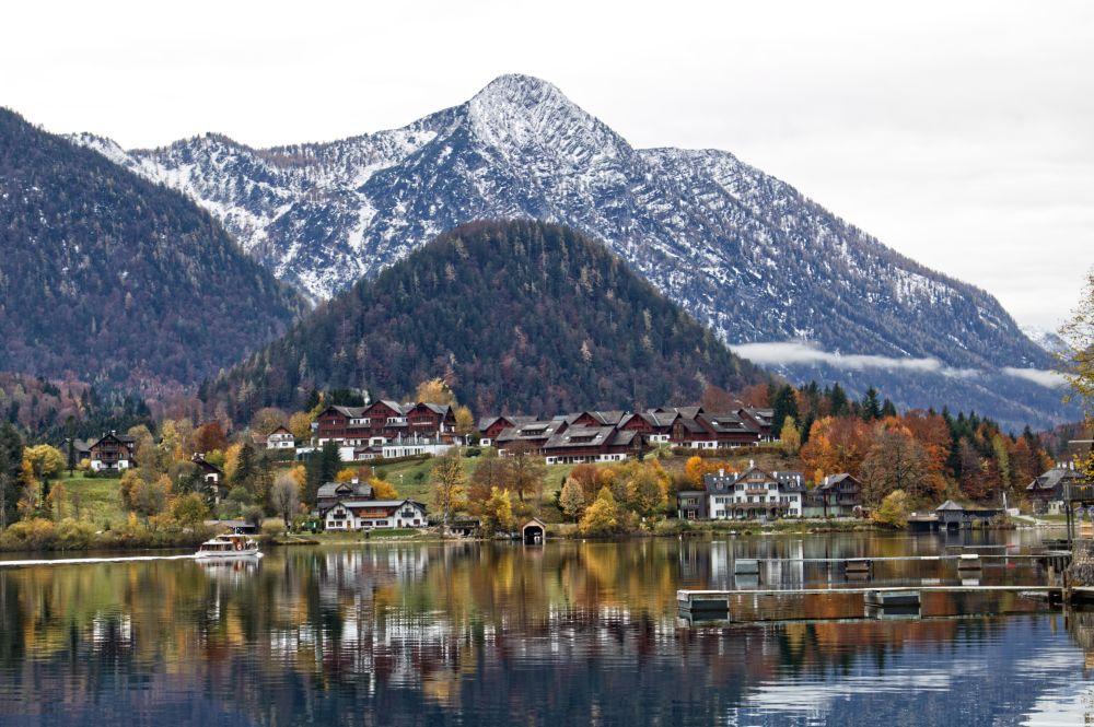 Der Grundlsee ist der größte See der Steiermark mit einer Fläche von über 4 km²
