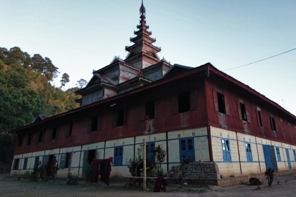 Die zweite Nacht schliefen wir in einem buddhistischen Kloster