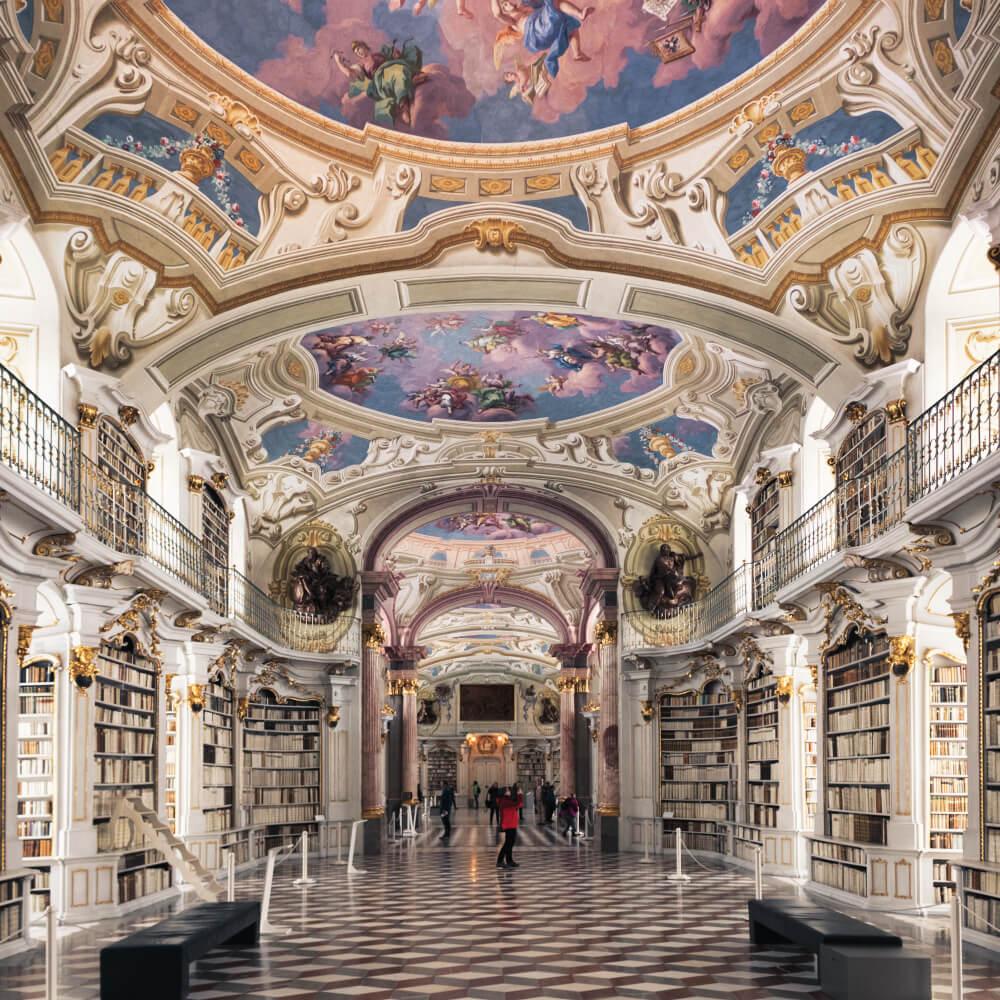 Die weltgrößte schöne Klosterbibliothek steht in Admont
