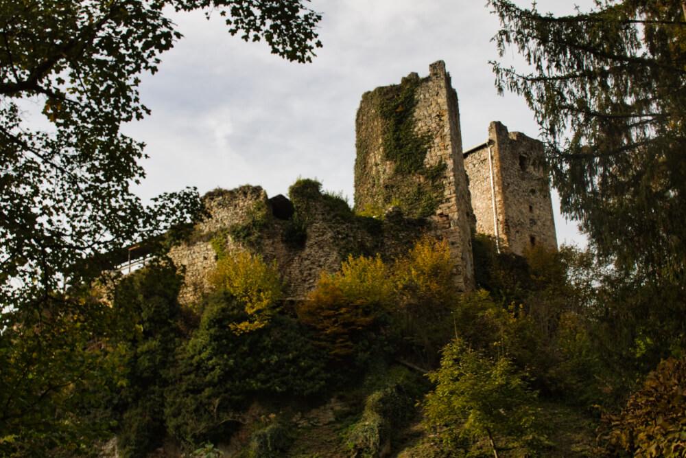 Die Burgruine Peggau nicht weit von Graz entfernt