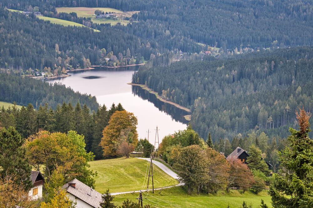 Der Packer Stausee – unweit von Graz – von oben