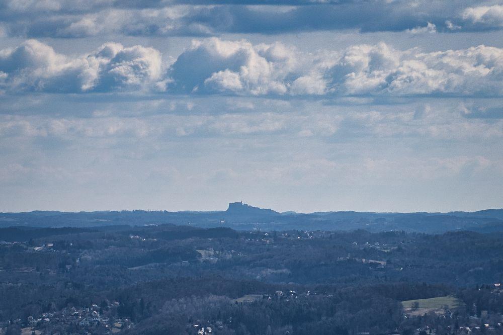 Bei klarer Sicht sieht man die Riegersburg vom Grazer Hausberg Plabutsch