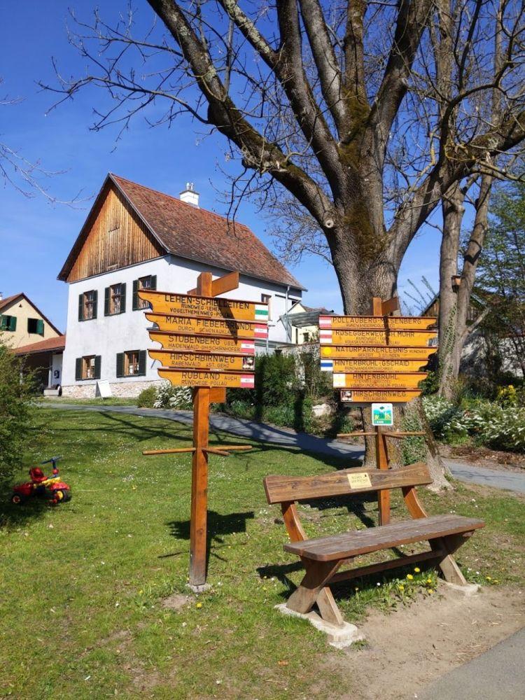 Viele (Spazier)Wege führen durch das Pöllauer Tal