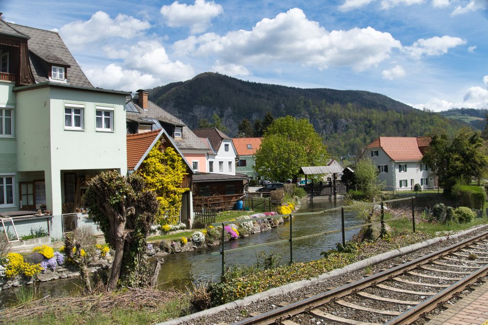 Ein kleiner und sehenswerter Bahnhof in Deutschfeistritz