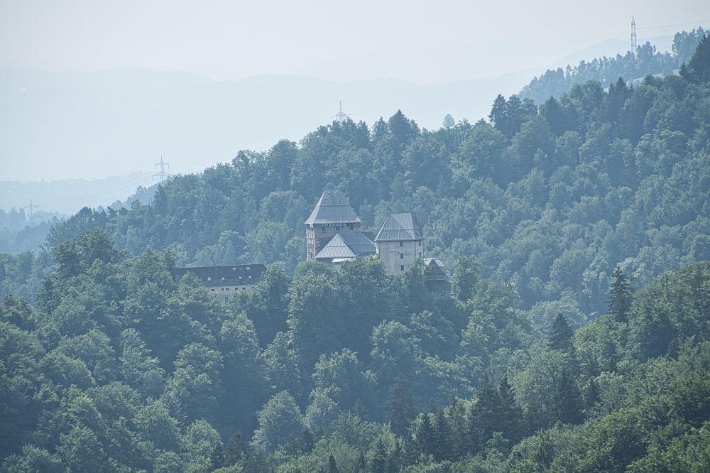 Die Burg Deutschlandsberg beim Wandern entdeckt