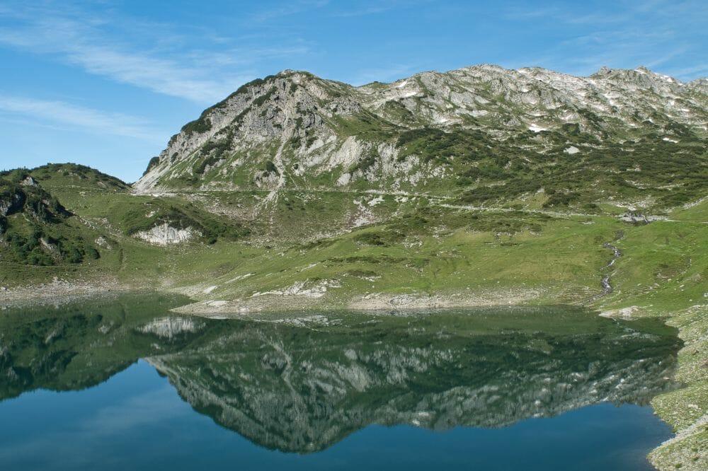 Hier startet die erste Etappe auf dem Lechweg: Vom Formarinsee nach Lech am Arlberg