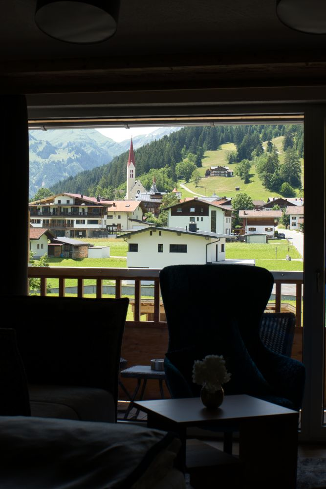 Ausblick von meinem Luxuszimmer auf Holzgau