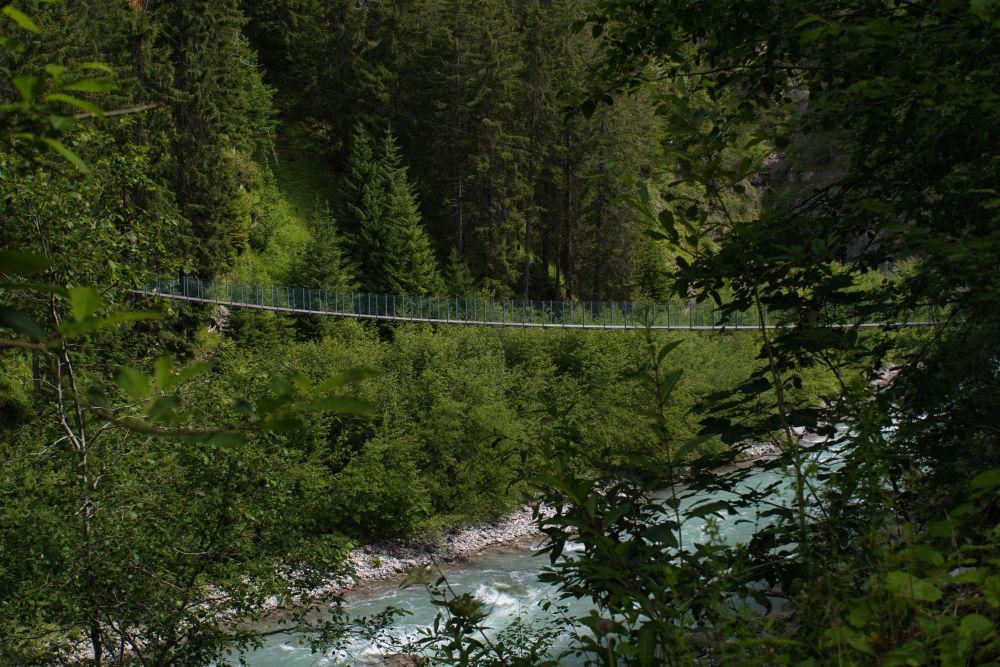 Eine von mehreren Brücken zwischen Warth und Holzgau