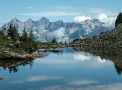 ÖSTERREICH: Zum Spiegelsee wandern – 2 Wanderrouten von der Reiteralm aus