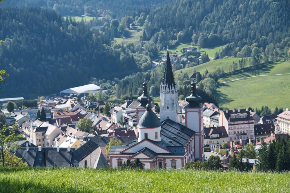 Ausblick von der Sternwarte auf die Basilika Mariazell