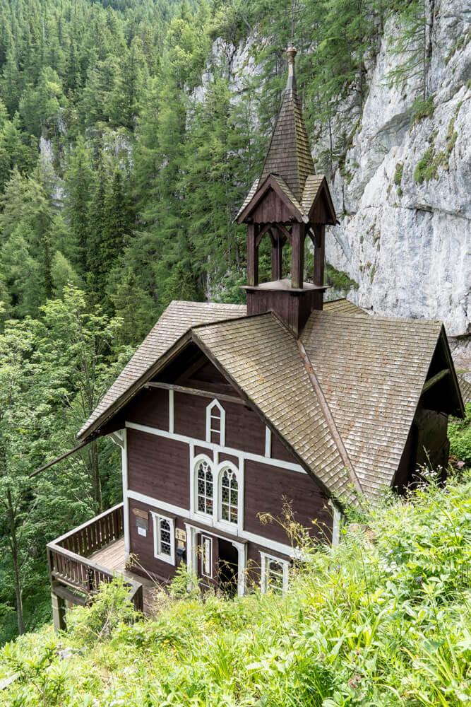 Das Schüsserlbrunn von den Treppen fotografiert